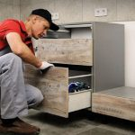 5 Reasons to Hire a Kitchen Cabinet Maker